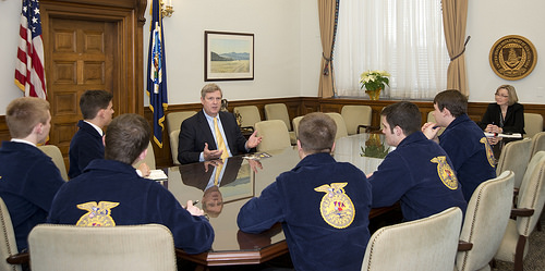 2013-14 National FFA Officers meet with USDA Secretary Tom Vilsack